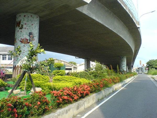 這是家門前的天橋.JPG