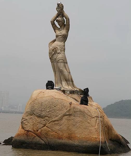 Statue_of_Zhuhai_Fisher-woman[1].jpg