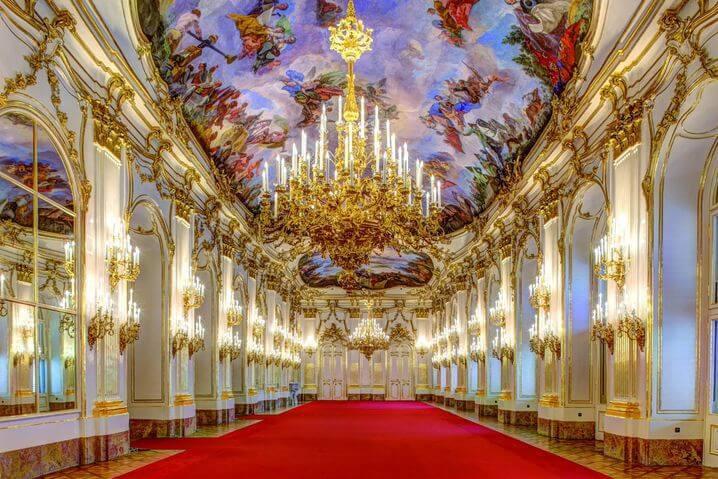 csm_Grosse_Galerie_c__Schloss_Schoenbrunn_Kultur-_und_Betriebsges.m.b.H__Fotograf_AgenturZolles_23e19e27bf.jpg