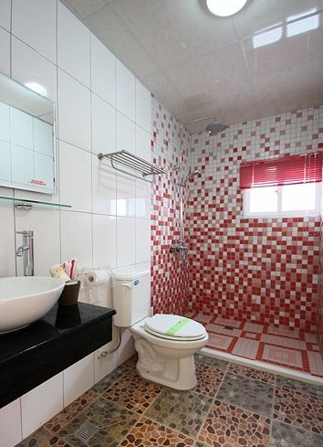 201廁.jpg