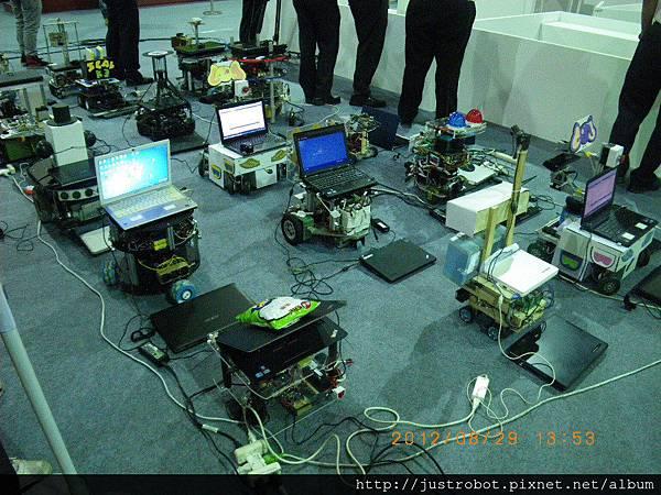 3.參與競賽機器人