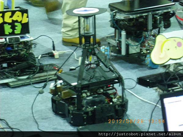 7.新光保全競賽機器人