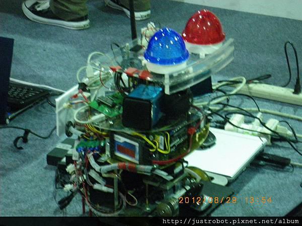8.新光保全競賽機器人