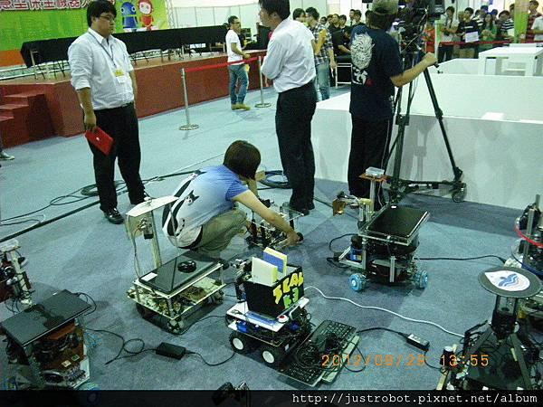 17.參賽者與機器人