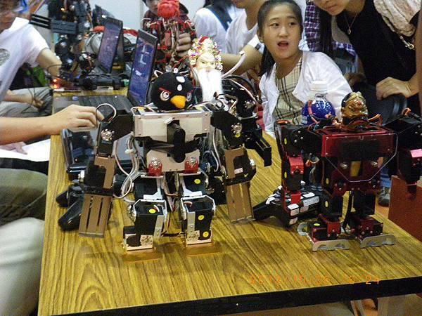 10.新北市超級盃機器人格鬥-