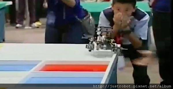 WRO2012國際賽決賽 國小組 亞軍8出界