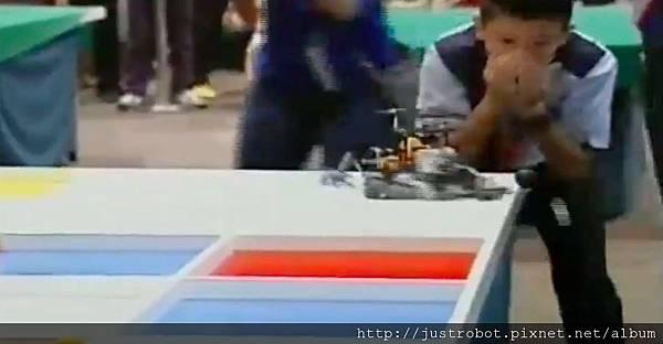WRO2012國際賽決賽 國小組 亞軍7解第二個SR