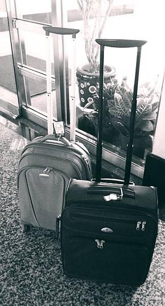 小倆口的行李