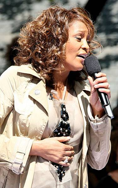whitney-houston-919-4.jpg