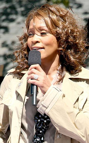 whitney-houston-919-5.jpg