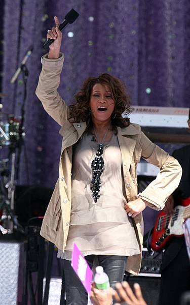 whitney-houston-919-6.jpg