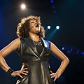 Whitney+Houston+In+Concert+-9DYW7E4AANl.jpg