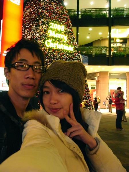 信義新光A9聖誕樹前