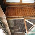浴室有個門,可以通到陽台,這樣下水玩完之後,可以直接進浴室沖身體,很方便。