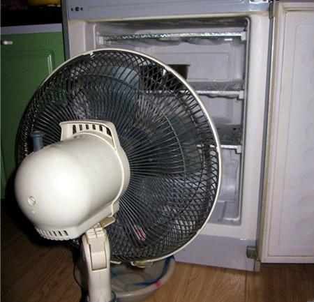 冰箱結霜,清理好麻煩!只要學會這一招,就能輕鬆除霜!4