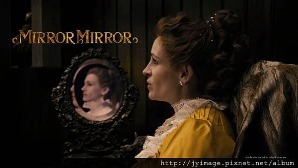 Mirror-Mirror-Julia-Roberts