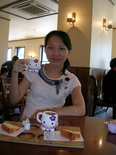 銀鍾咖啡館...喝完的杯子還可以帶回家喔