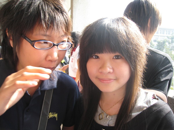 小黑跟筱筠~