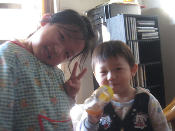 小表妹跟小表弟~