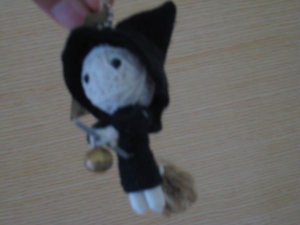 若筑送的巫毒娃娃~現在是我的鑰匙圈~