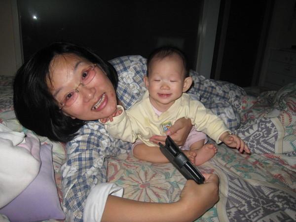 妹的臉超爆笑的~~~~