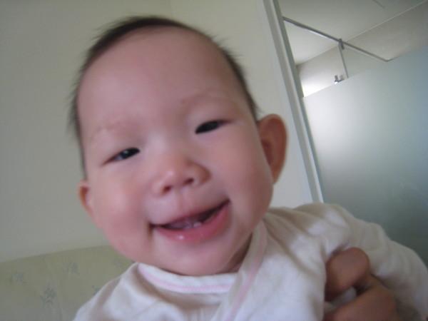 妹的露齒笑~