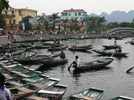 三谷湖輕舟探秘