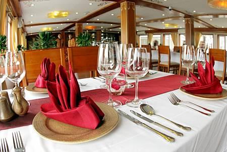 Huong-Hai-Sealife-Cruise-Restaurant-9jpg04.jpg