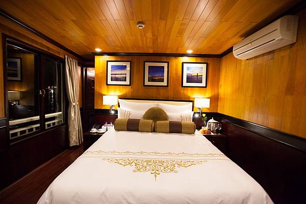 Aphrodite Cruises Terrace Suite 04.jpg