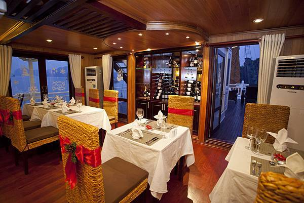 Aphrodite Restaurant 04.jpg