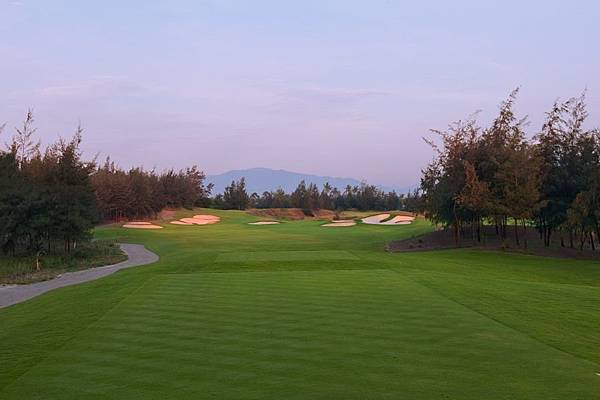Montgomerie Links-02.jpg