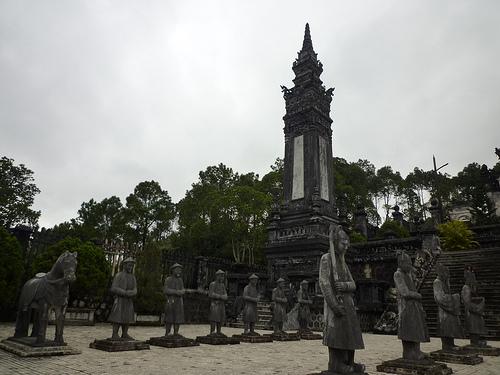 Lang Khai Dinh-01.jpg