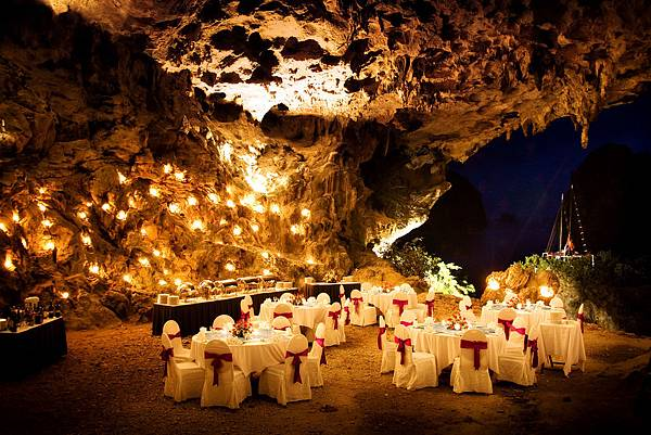 Cave Dinner-05.jpg