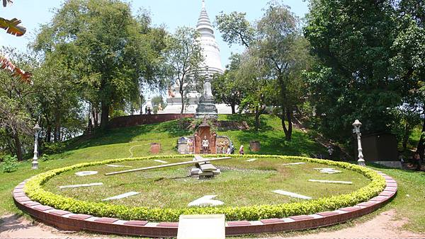 Wat Phnom-02.jpg