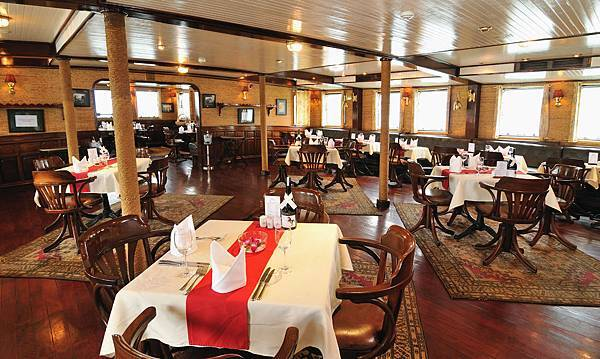 Emeraude Classic Cruises-07.jpg