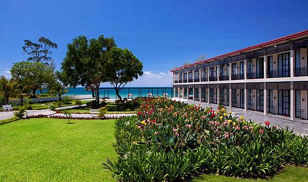 Holiday Palace Resort.jpg