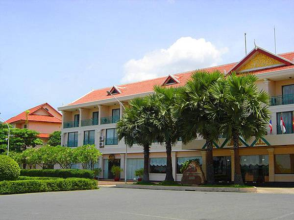 Imperial garden villa & hotel-.jpg