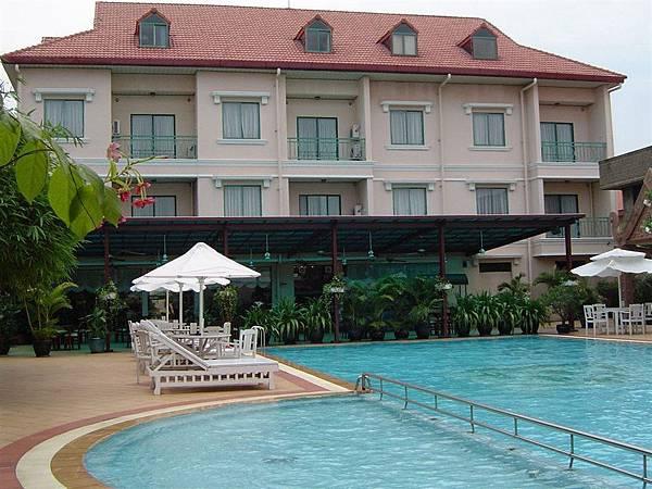 Imperial garden villa & hotel-03.jpg