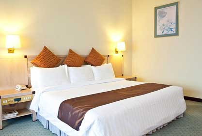 Hotel Cambodiana-02.jpg