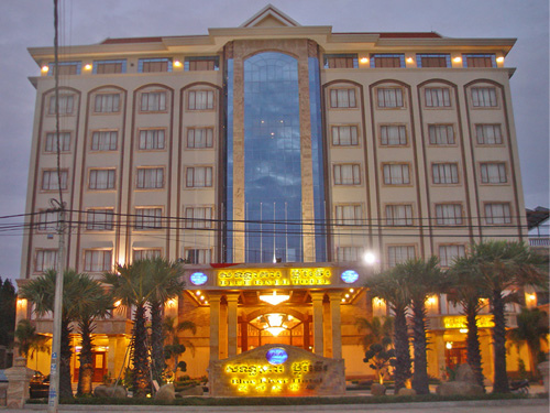Blue River Hotel.jpg