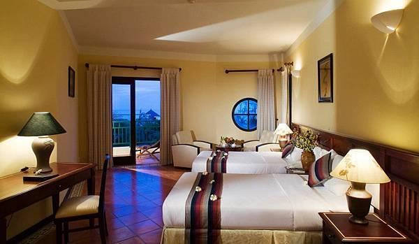 Pandanus Resort-02.jpg