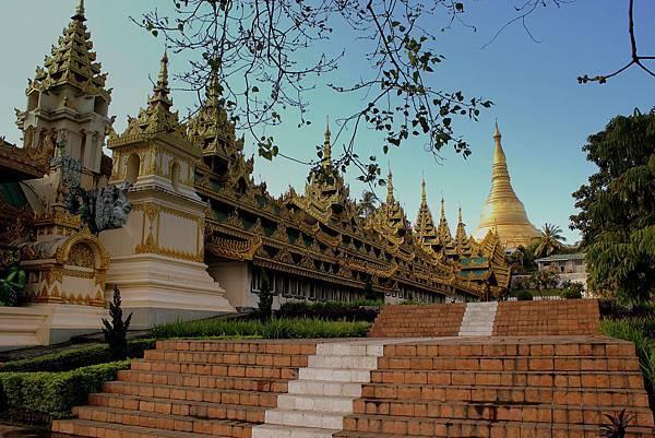 Shwedagon Pagoda-.jpg