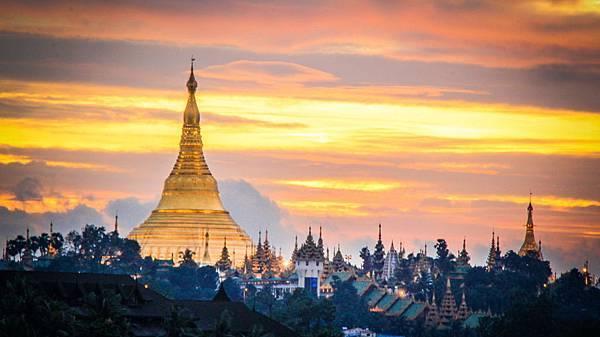 Shwedagon Pagoda-01.jpg