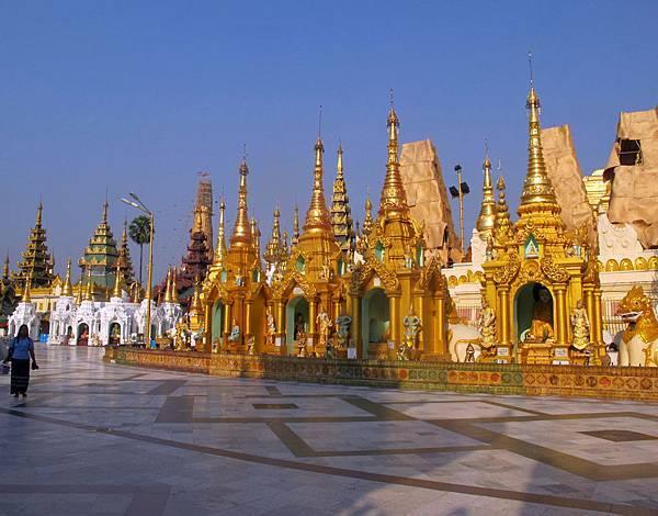 Shwedagon Pagoda-03.jpg