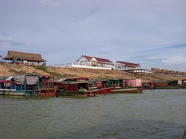 Tonle Sap-.JPG