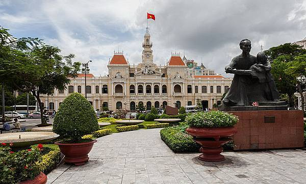 Ho Chi Minh City Hall-02.jpg