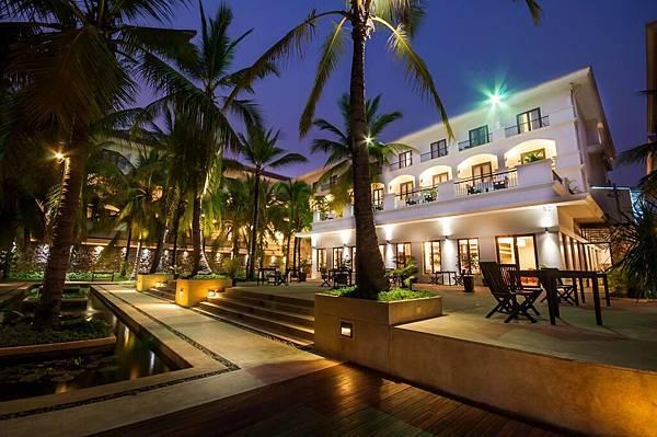 Lotus Blanc Resort-04.jpg