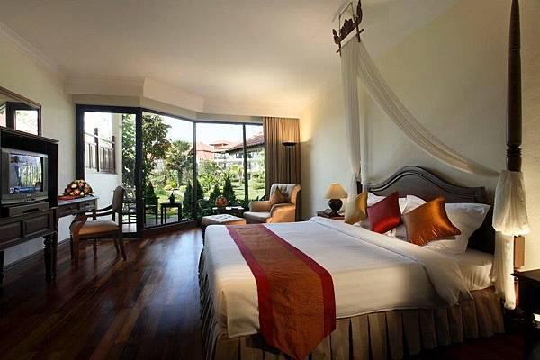 Angkor Palace Resort-01.jpg
