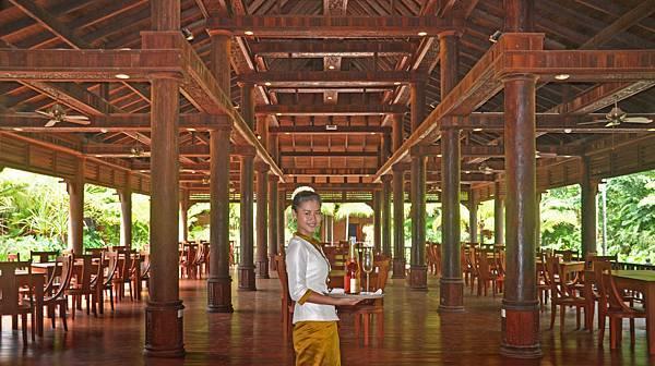 Sokhalay Angkor-03.JPG