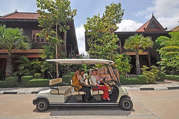 Sokhalay Angkor-07.JPG